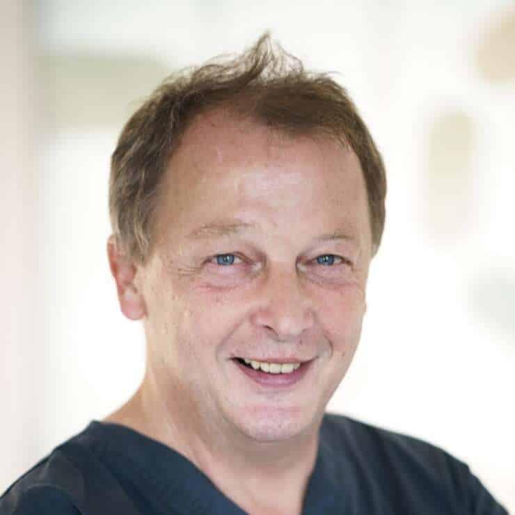 Dr. med. univ. Christoph SCHUSCHNIG
